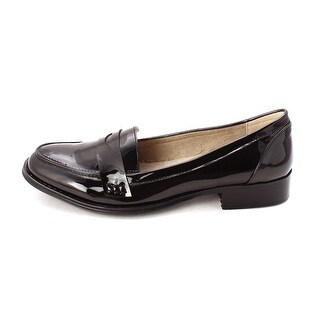 Wanted Shoes Womens Campus Closed Toe Loafers