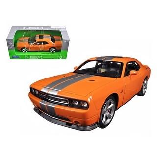 2013 Dodge Challenger SRT Orange 1/24 Diecast Model Car by Welly