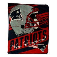 New England Patriots Retro Grunge Micro Raschel Throw Blanket - Red