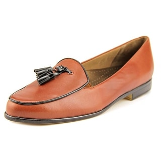 Trotters Leana N/S Round Toe Leather Loafer
