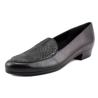 Munro American Mallory N/S Round Toe Leather Loafer
