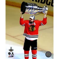 Patrick Sharp Chicago Blackhawks 2015 Stanley Cup Trophy 8x10 Photo