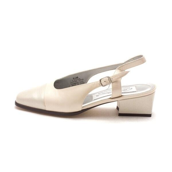 Caressa Womens FRANNIE Closed Toe Ankle Strap Classic Pumps - 8.5