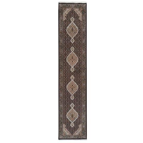 "Shahbanu Rugs Tabriz Mahi Fish Medallion Design Wool And Silk Hand Knotted Black Oriental Runner Rug (2'8"" x 13'3"")"