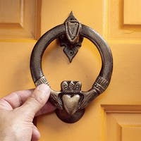 Design Toscano Claddagh Authentic Foundry Iron Door Knocker
