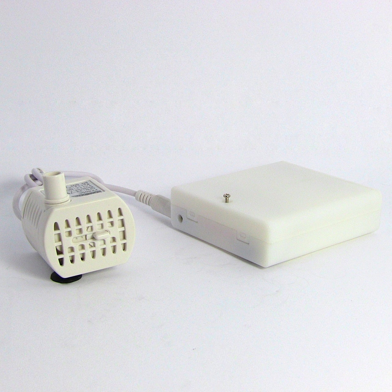 Fountain Pro Battery Operated Submersible Fountain Pump - White - Thumbnail 0