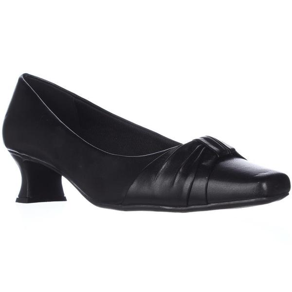 Easy Street Waive Kitten Pump Heels, Black