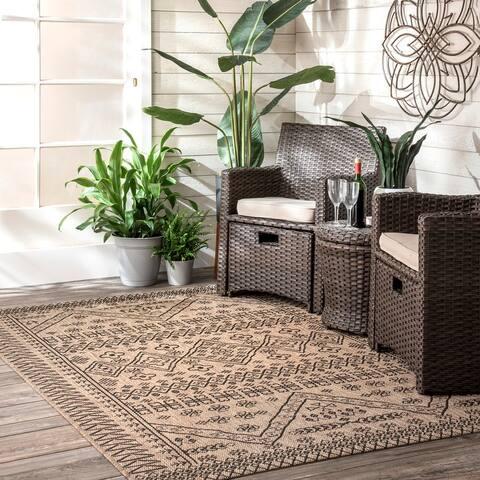 nuLOOM Indoor/Outdoor Tribal Inspired Floral Diamonds Area Rug