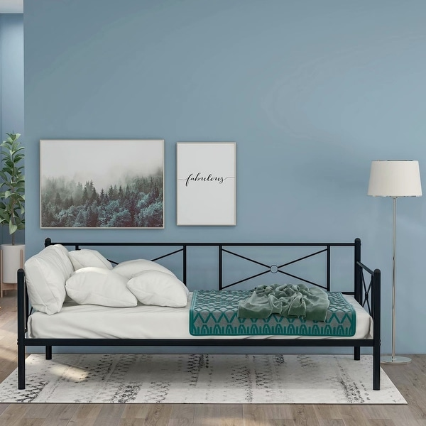 Mieres sturdy and durable metal daybed with steel slats. Opens flyout.