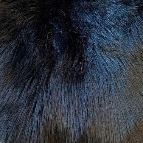 """Dynasty Natural 4-Pelt Luxury Long Wool Sheepskin Shag Rug - 3'6"""" x 5'6"""""""