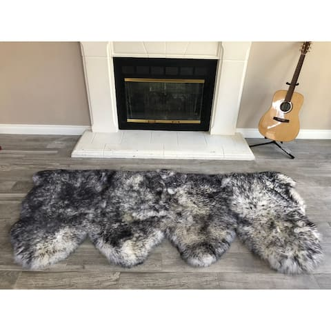 "Dynasty Natural 4-Pelt Luxury Long Wool Sheepskin White with Black Tips Shag Rug - 3' x 6'8"""