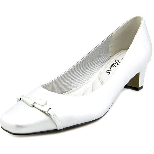 Easy Street Venture  Silver Pumps