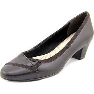 Easy Spirit Vicki N/S Round Toe Leather Heels
