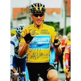 Lance Armstrong 2005 Tour De France Holding Up Seven Fingers 16x20 Photo