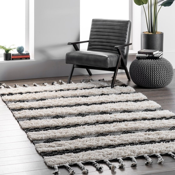 nuLOOM Ivory Handmade Wool Cotton Geo Striped Shag Rug. Opens flyout.