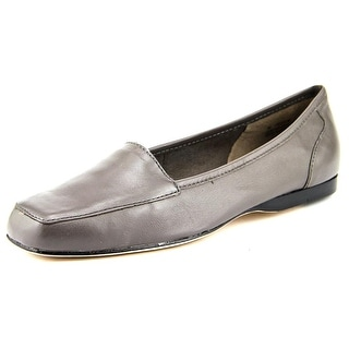 Array Freedom Women W Round Toe Leather Gray Loafer