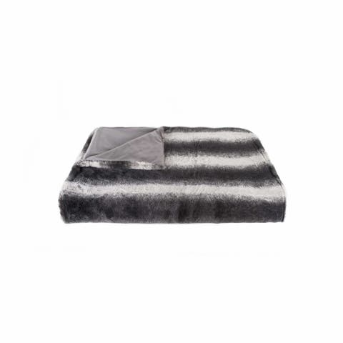 """HomeRoots 50"""" x 60"""" Irving Charcoal/White Fur - Throw"""