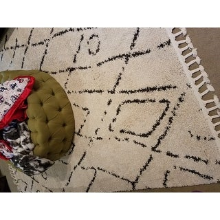 Carson Carrington Vanlose Abstract Moroccan Diamond Tassel Shag Rug