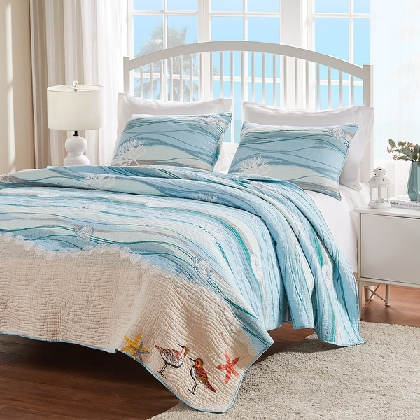 Greenland Home Fashions Maui Coastal Cotton 3-piece Quilt Set. Opens flyout.