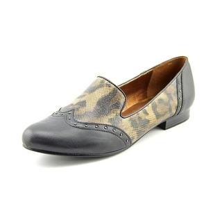Naturalizer Lancing Wingtip Toe Leather Loafer