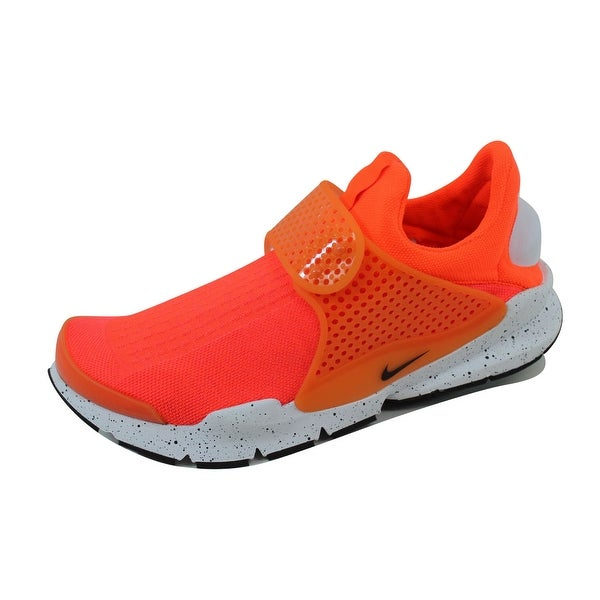big sale c738a 2b098 Shop Nike Men's Sock Dart SE Total Crimson/Black-White ...