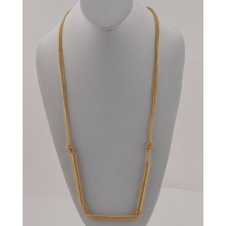 Long Chain Necklace With Spring Detail - Color - Gold