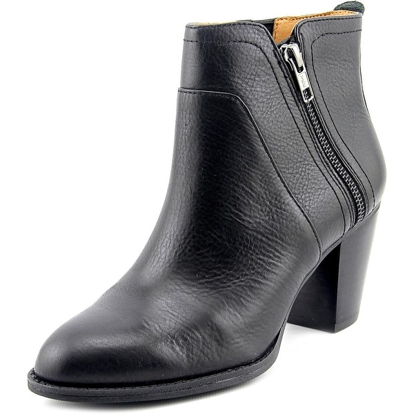 Sofft West Women Round Toe Leather Black Ankle Boot