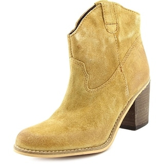 Matisse Bess   Round Toe Suede  Ankle Boot