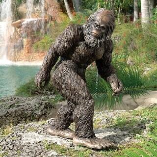 Design Toscano Halloween  Bigfoot, the Garden Yeti Statue: Medium