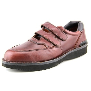 Walkabout Quick Grip   Round Toe Leather  Sneakers