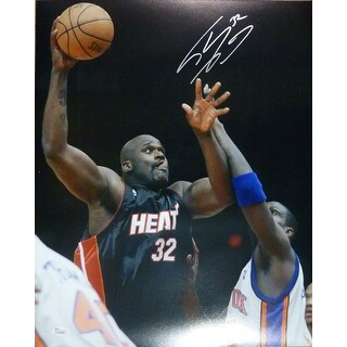 Shaquille Shaq Oneal Autographed Miami Heat 16x20 Photo Hook Black Jersey JSA