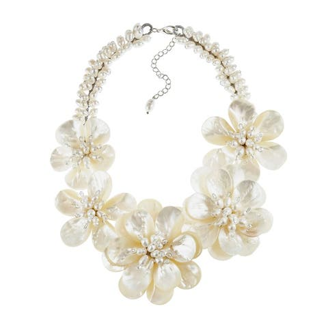Handmade Dreaming of Hawaii Lei Flower Natural Mother of Pearl Shell Statement Necklace (Thailand) - White