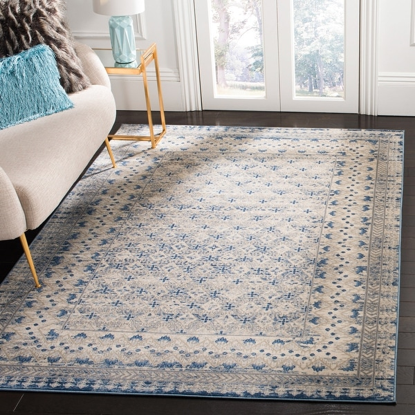 SAFAVIEH Brentwood Gusta Traditional Oriental Rug. Opens flyout.