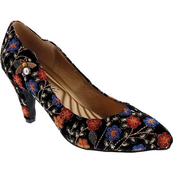 02206258c740 Bellini Women's Bea Embellished Pump Black Embroidered Floral Fabric