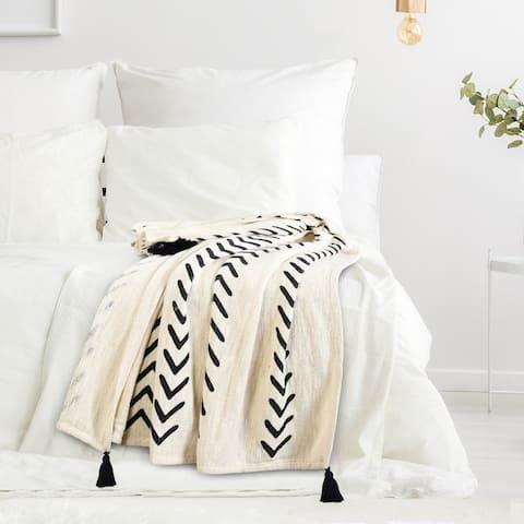 Modern Boho Basic Chevron Cotton Throw Blanket