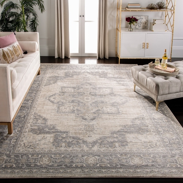 SAFAVIEH Brentwood Clara Traditional Oriental Medallion Rug. Opens flyout.