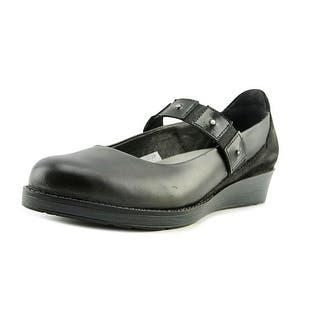 Naot Honesty Round Toe Leather Mary Janes|https://ak1.ostkcdn.com/images/products/is/images/direct/cb9c6225e12d22e161c7b16aed5a2d1b1fa2cb74/Naot-Honesty-Round-Toe-Leather-Mary-Janes.jpg?impolicy=medium