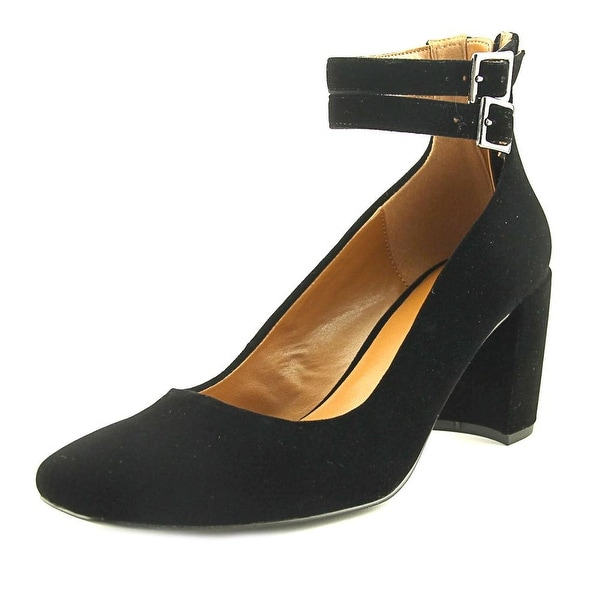 Halston Regina Black Pumps