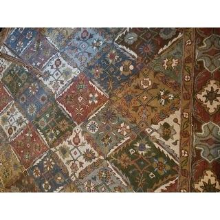 Safavieh Handmade Diamonds Bakhtiari Green/ Red Wool Rug
