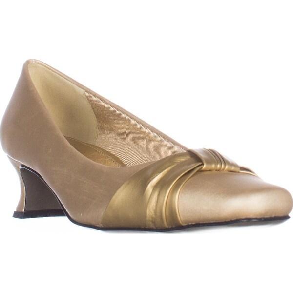 Easy Street Waive Kitten Pump Heels, Gold