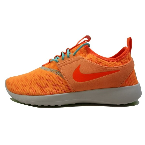 Nike Women's Juvenate Premium Peach Chrome/Total Orange-Summit White-Volt 844973-800 Size 5
