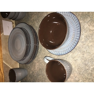 Gourmet Basics by Mikasa Broadway 16-piece Dinnerware Set