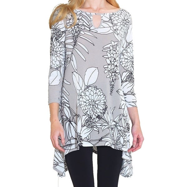 8c7b3a3b9de Shop Clara Sunwoo Women's Plus Floral Print Tunic Blouse - On Sale - Free  Shipping On Orders Over $45 - Overstock - 27094568