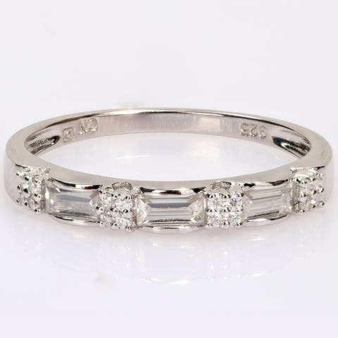 Miadora 2/5ct DEW Baguette-cut Moissanite Semi-Eternity Wedding Band Ring in Sterling Silver