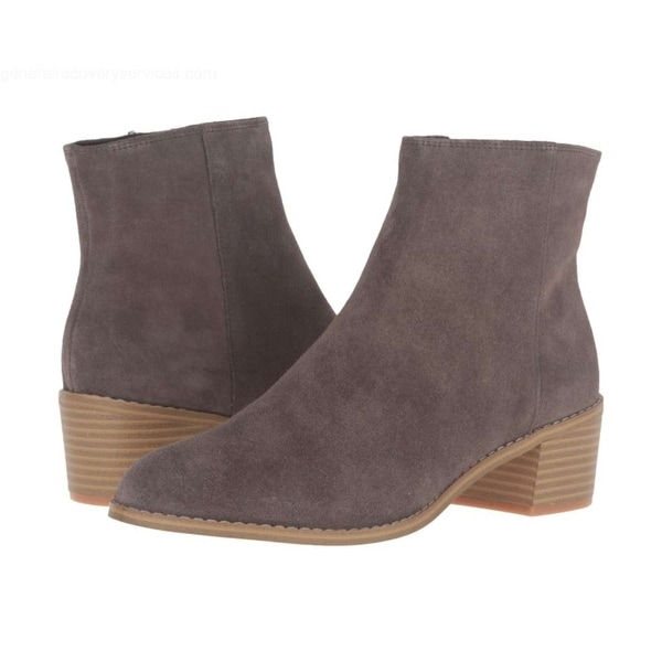 Clarks Womens Breccan Myth Closed Toe Ankle Fashion Boots