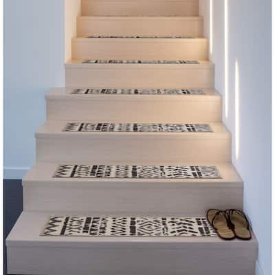 Geometric Bohemian Design Brown/Tan 26-inch Non-slip Stair Treads