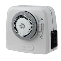 Stanley LampMaster Twin Indoor 2-Outlet Mechanical 24 Hour Timer - WHITE