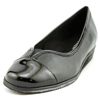 Vaneli Abaka W Round Toe Leather Ballet Flats