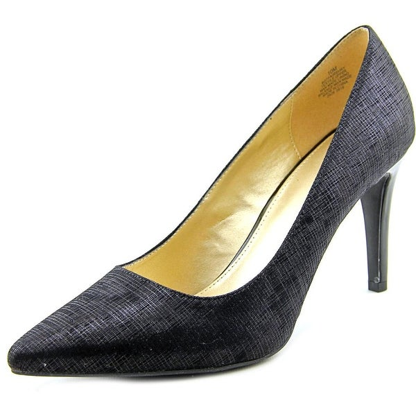 Bandolino Fairbury Black Pumps