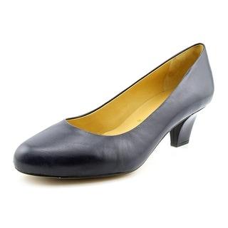 Trotters Penelope Women W Round Toe Leather Heels